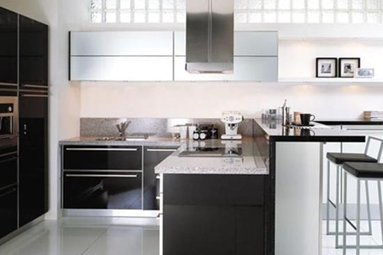 帝森橱柜实木系列   帝森橱柜设计简洁,沉稳大气,材料环保健康.