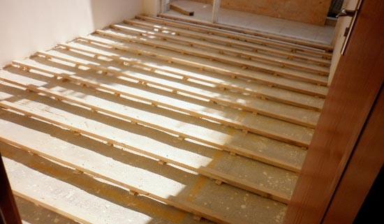 且强化复合地板价格较实木