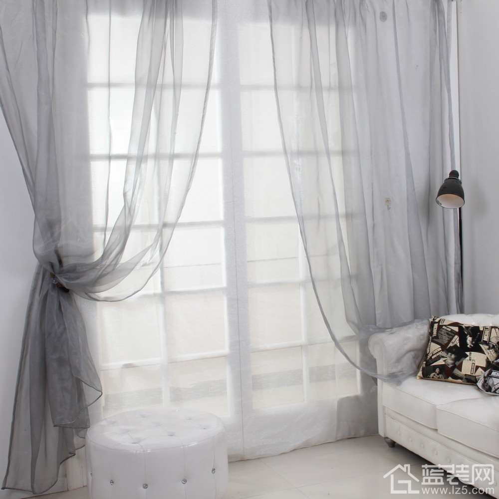 欧式深色绒面窗帘