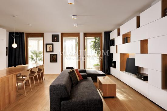 100平米简约欧式公寓 全木质家具完美搭配